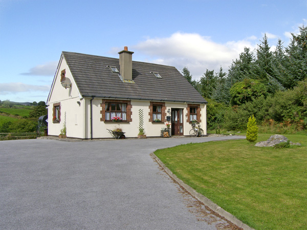 River Cottage Pet-Friendly Cottage, Touraneena, County Waterford, South East (Ref 4315)