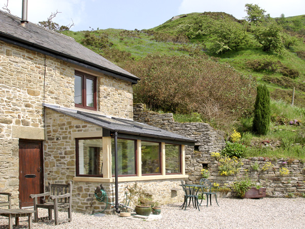 Burrs Cottage Pet-Friendly Cottage, Great Hucklow, Peak District (Ref 509)