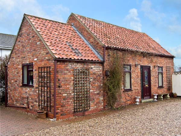 South Highfield Barn Romantic Cottage, Market Rasen, East Anglia (Ref 5104)