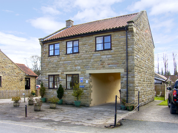 Brookwood Cottage Family Cottage, Thornton-Le-Dale, North York Moors & Coast (Ref 514)