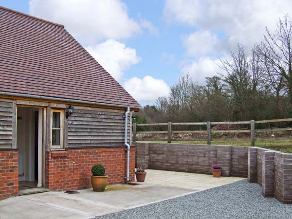 Holmer Farm Pet-Friendly Cottage, Leominster, Heart Of England (Ref 5426)