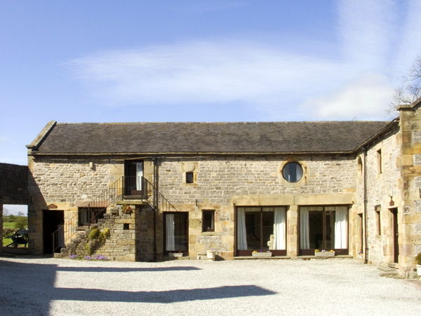 West Cawlow Barn Family Cottage, Hulme End Near Hartington, Peak District (Ref 632)