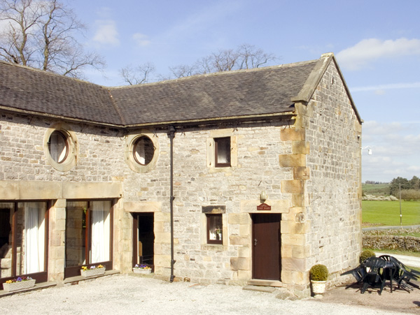 East Cawlow Barn Family Cottage, Hulme End Near Hartington, Peak District (Ref 633)