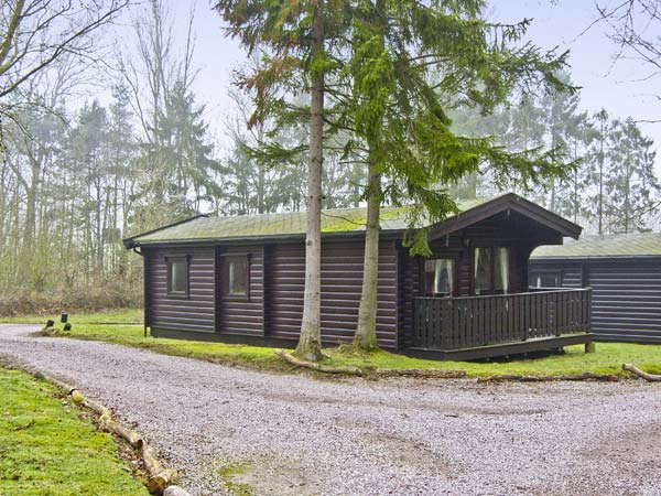 Meridian Lodge Family Cottage, Kenwick Woods, East Anglia (Ref 6809)