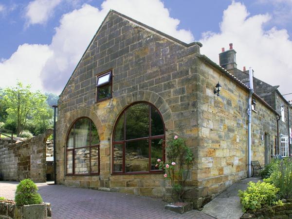 Prospect Coach House Family Cottage, Great Fryup Dale, North York Moors & Coast (Ref 940)