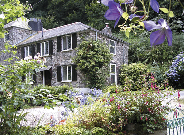 Miller's House Pet-Friendly Cottage, Tintagel, South West England (Ref 980)