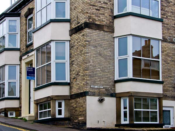 Apartment 6 Pet-Friendly Cottage, Whitby, North York Moors & Coast (Ref 9865)