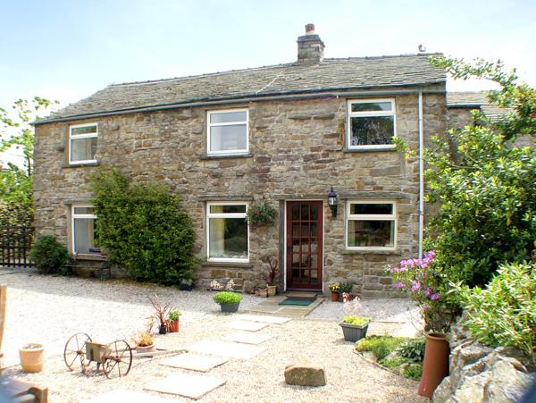 Maryend Pet-Friendly Cottage, Burtersett Near Hawes, Yorkshire Dales (Ref 997)