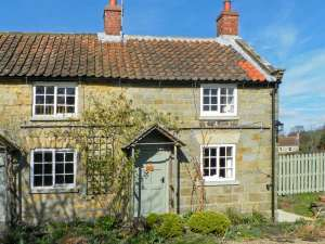 The Old Watchmaker's Shop Cropton One Bedroom Sleeps Two People - Holiday cottage near Pickering