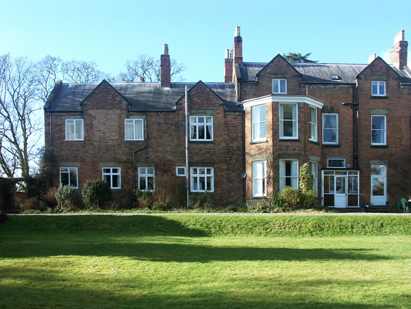 £209.00 for Radbourne near Derby  self catering holiday