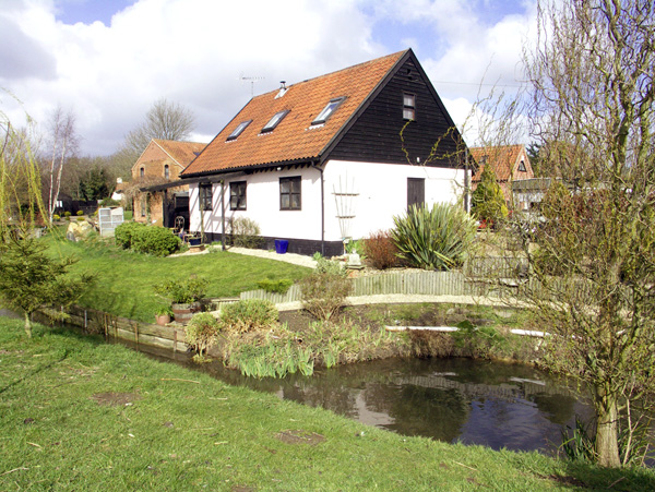 £221.00 for Necton near Swaffham  self catering holiday