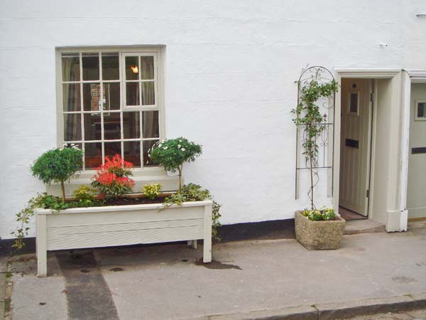 £263.00 for Leek  self catering holiday