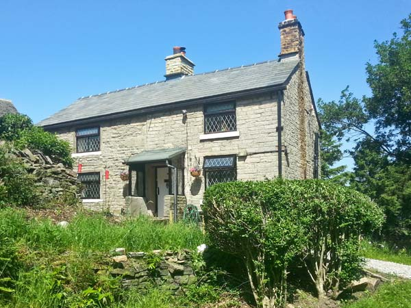 £272.00 for Charlesworth near Glossop  self catering holiday
