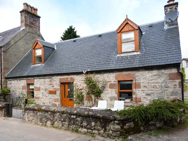 £298.00 for Drumnadrochit near Loch Ness  self catering holiday