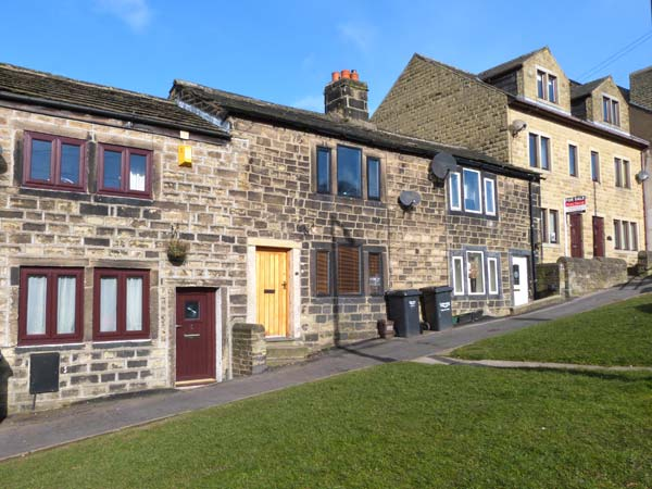 £218.00 for Mytholmroyd near Hebden Bridge  self catering holiday