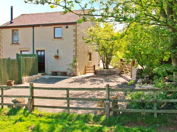 £227.00 for Taddington near Buxton  self catering holiday