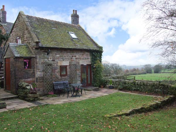 £229.00 for Foxt near Leek  self catering holiday