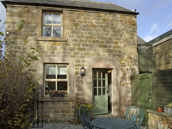 Baslow near Chatsworth House  a great place to enjoy a self catering holiday