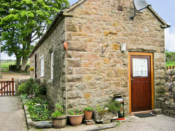 £250.00 for Warslow near Hartington  self catering holiday