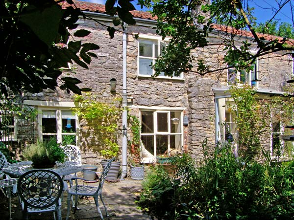 £280.00 for Nunney near Frome  self catering holiday