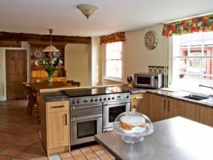 A lovely self catering kitchen in a Sykes Holiday Cottage