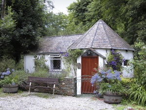 a romantic cottage for two