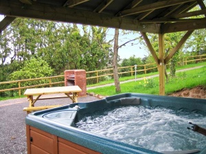 holiday cottage with hot tub