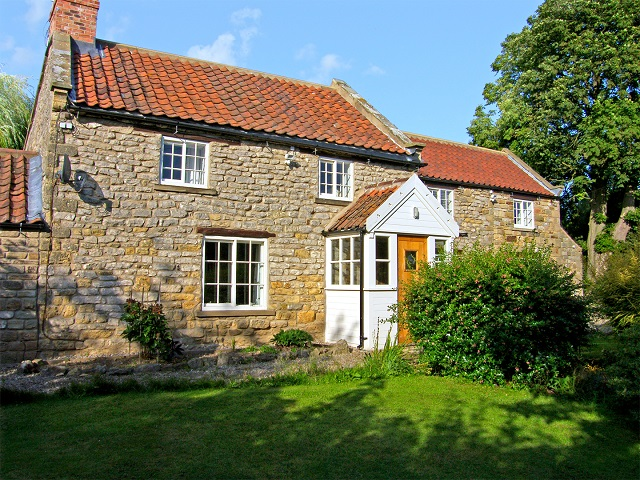 Willow Cottage Sinnington near Pickering, North York Moors & Coast