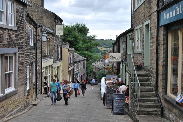 Haworth shops and restaurants