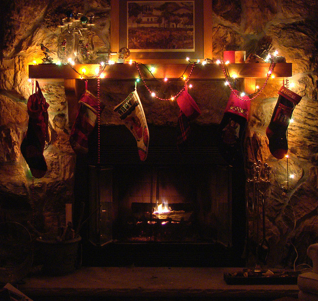 Christmas hearth – Via Flickr