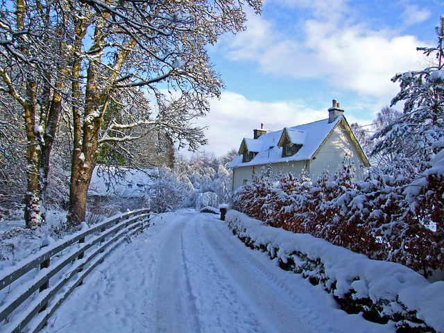 Scottish cottage in the snow – Via Flickr