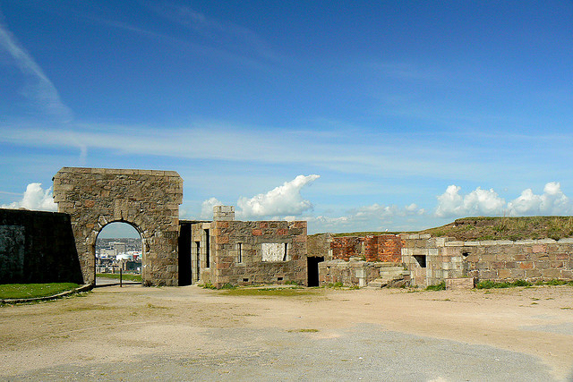 Torry Battery by Nick Bramhall / CC BY-SA 2.0