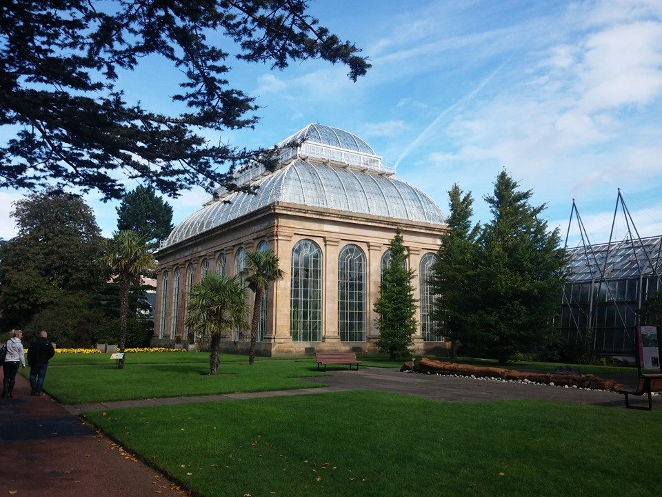 Britain 39 s best gardens sykes holiday cottages for Royal botanic garden edinburgh