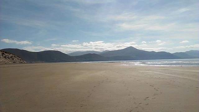 Rossbeigh beach by Gabriela Avram | CC 2.0