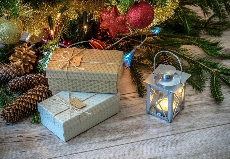 christmas-cottage-decorations-1