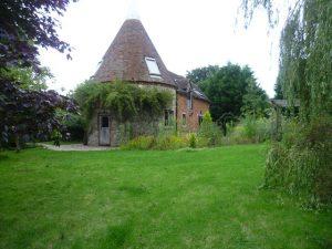 Walk of the Month: Oast house at Elvey Farm near Pluckley