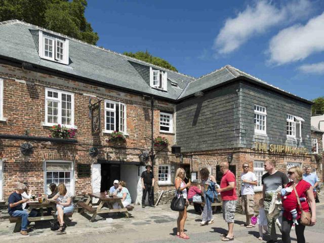 shipwrights-pub