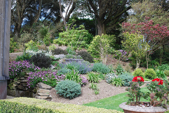 Terrace Garden by Martin Stone is licensed under CC BY-SA 2.0