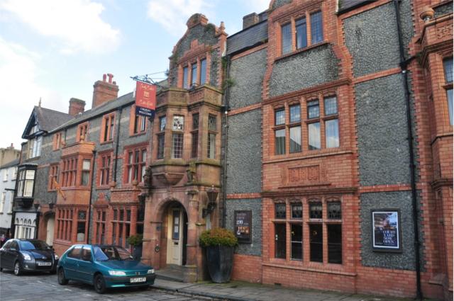 Castle_Hotel,_Conwy_(8092)