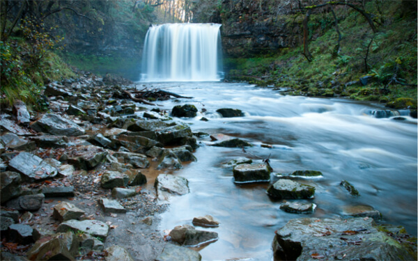 Sgwd Yr Eira Waterfall, Brecon Beacons shutterstock_91748921 (1)