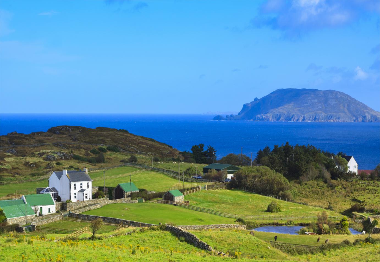 Ireland landscape shutterstock_184163792